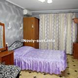 Спальня  № 2, вид на вход в номер.