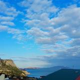 Вид с балкона на гору Сокол